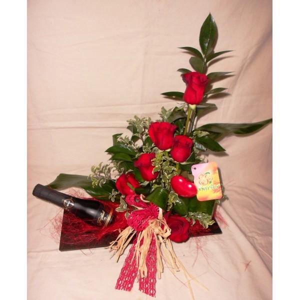 Arranjo de rosas com garrafa - Vintage