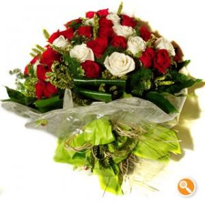 Bouquet de rosas vermelhas e brancas - Diamante